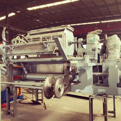 Waste Paper 2500pcs/hour Fruit Tray Forming Machine